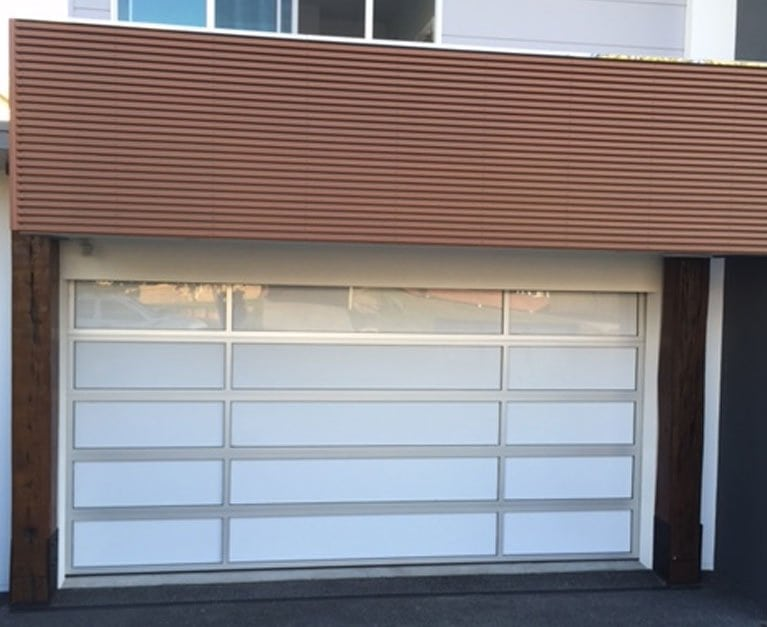 How to take the dimensions for the installation of a garage door?